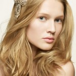 Pretty and Easy Hairstyles for Long Wavy Hair