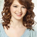 Pretty and Easy Hairstyles for Short Curly Hair