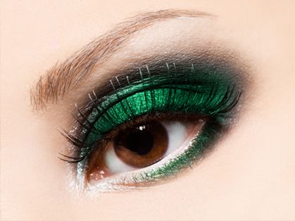 Makeup for Bright Green Eyes