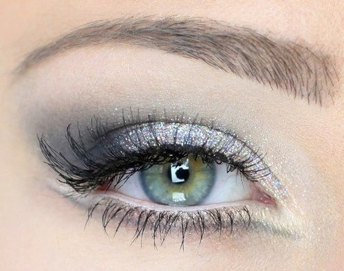 Silver Eye Makeup for Green Eyes