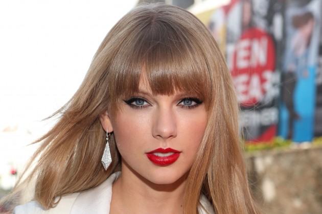 Taylor Swift Blonde Hair Color Dye Tips