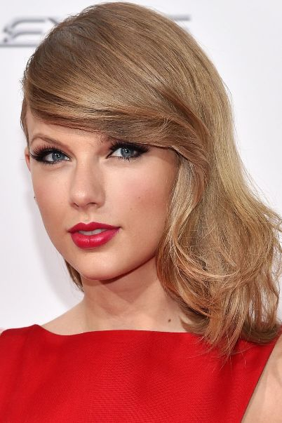 Taylor Swift Dark Ash Blonde