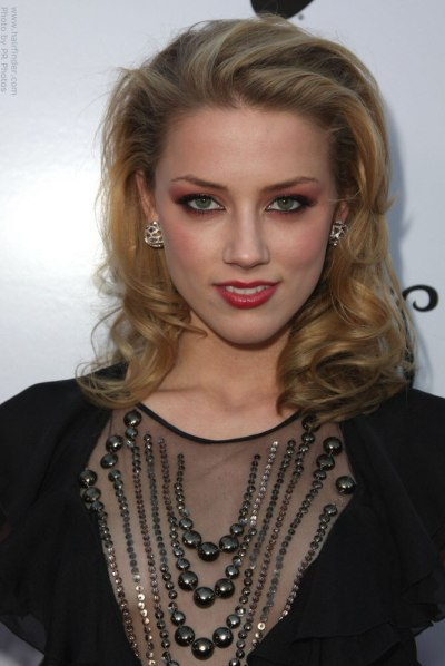 Amber Heard Blonde Hair Color Pictures
