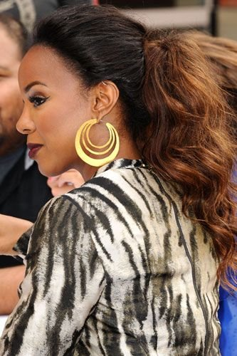 Kelly Rowland Dual Texture Ponytail Style