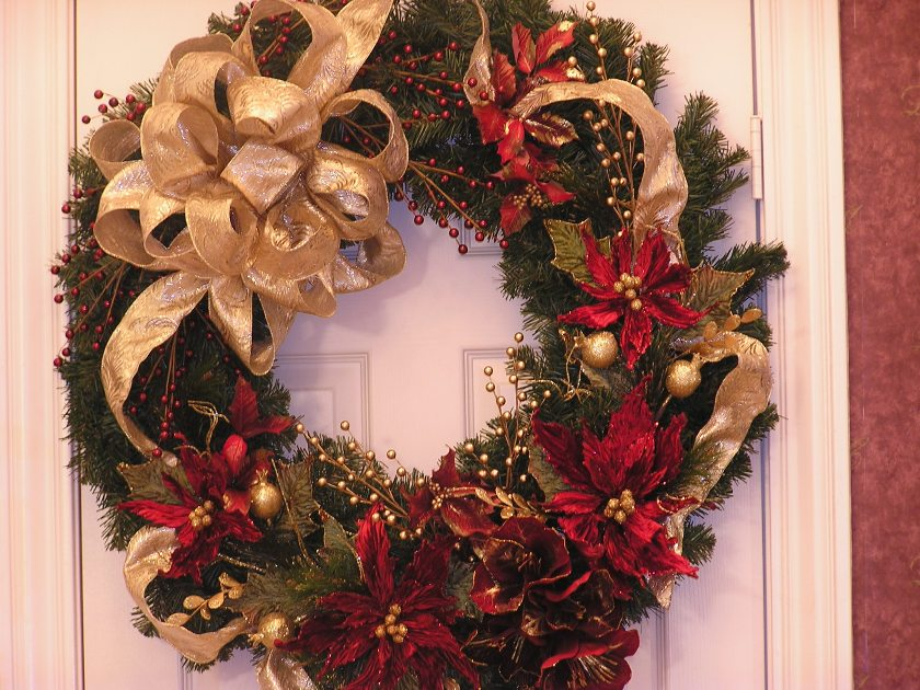 Beautiful Artificial Christmas Wreaths for Front Door