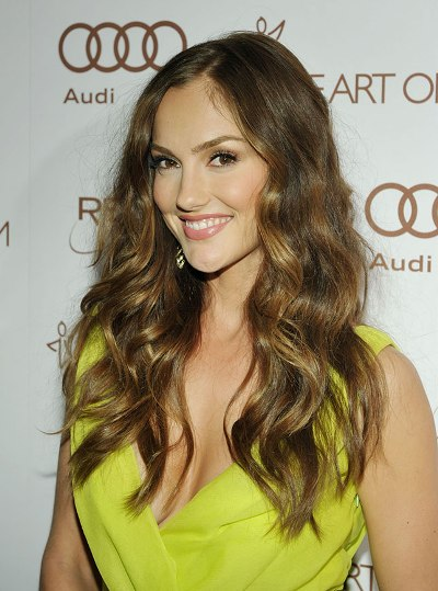 Minka Kelly in Top 10 Best Haircuts for Long Necks