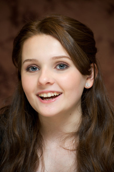 Abigail Breslin Natural Brown Hair Color