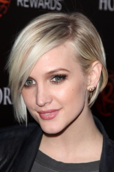 Ashlee Simpson's Best Haircut for Long Necks and Round Faces