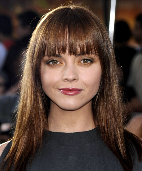 Christina Ricci's Round Face Long Neck Hairstyles