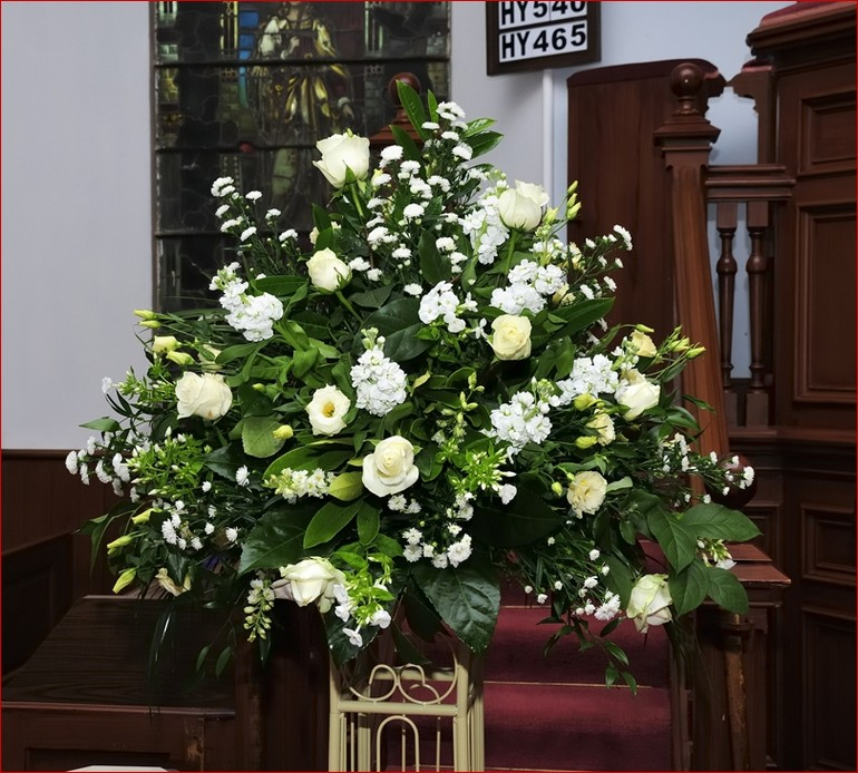 Large Wedding Flower Arrangements For Church