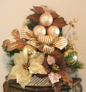 Christmas Home Decoration Using Silk Flower Arrangement