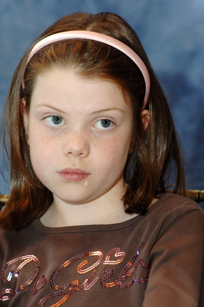Georgie Henley Girlish Hair Color Picture