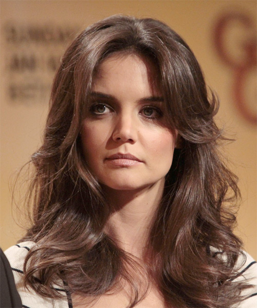 Katie Holmes Shows her Best Haircut for Long Necks and Round Faces