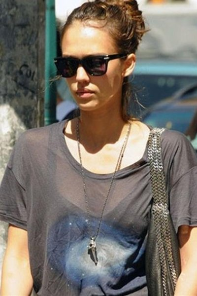 Jessica Alba and Low Luv Steer Skull Necklace