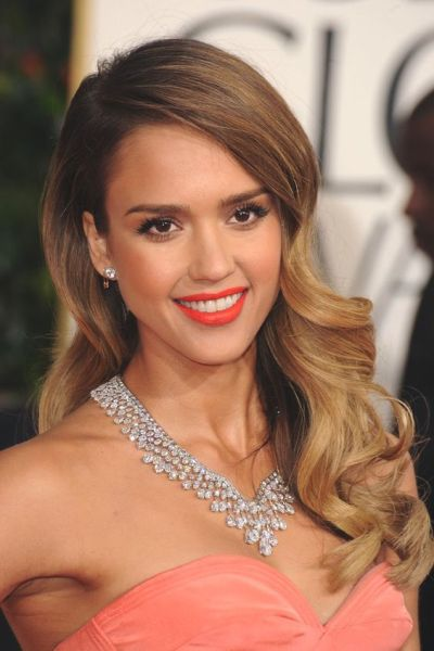 Jessica Alba Golden Globes, Harry Winston Necklace
