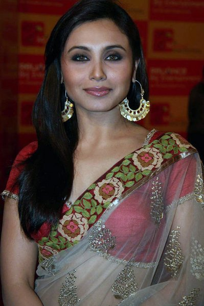 Rani Mukherjee's Best Haircut for Long Necks and Round Faces