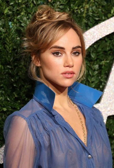 Suki Waterhouse Hair During British Fashion Awards