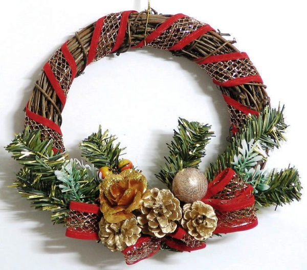 Artificial Christmas Wreaths Decorating Best Idea