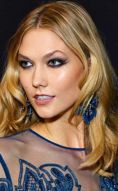 Chic Blonde Medium Style of Karlie Kloss