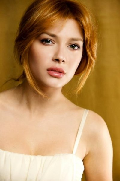 Elena Satine's Short Haircut Picture